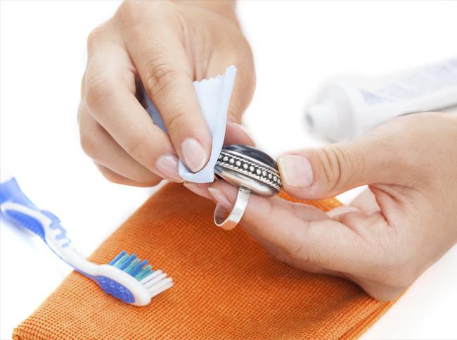 Как почистить серебро в домашних условиях быстро и эффективно