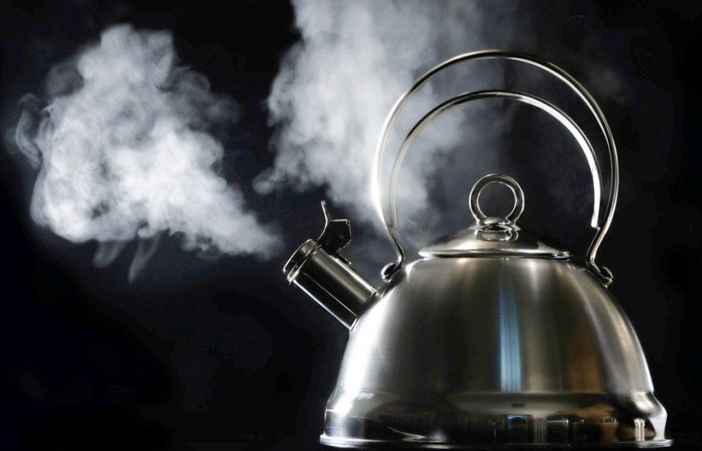 Как избавится от накипи в железном чайнике