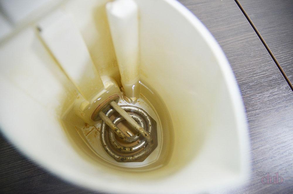 Жесткая вода вредна для чайника
