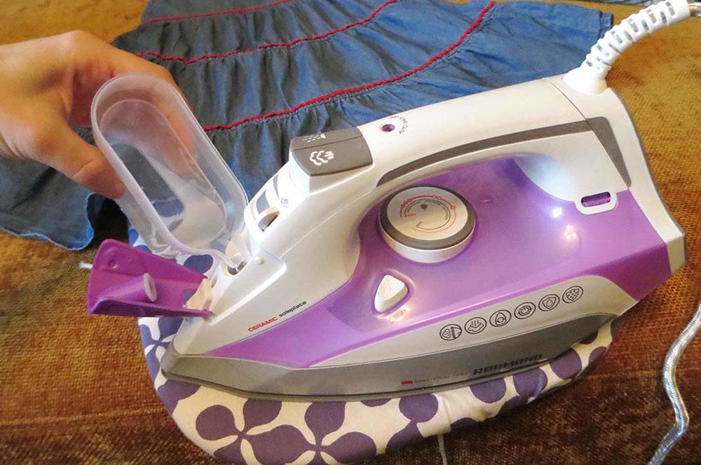 Удаление накипи в утюге в домашних условиях